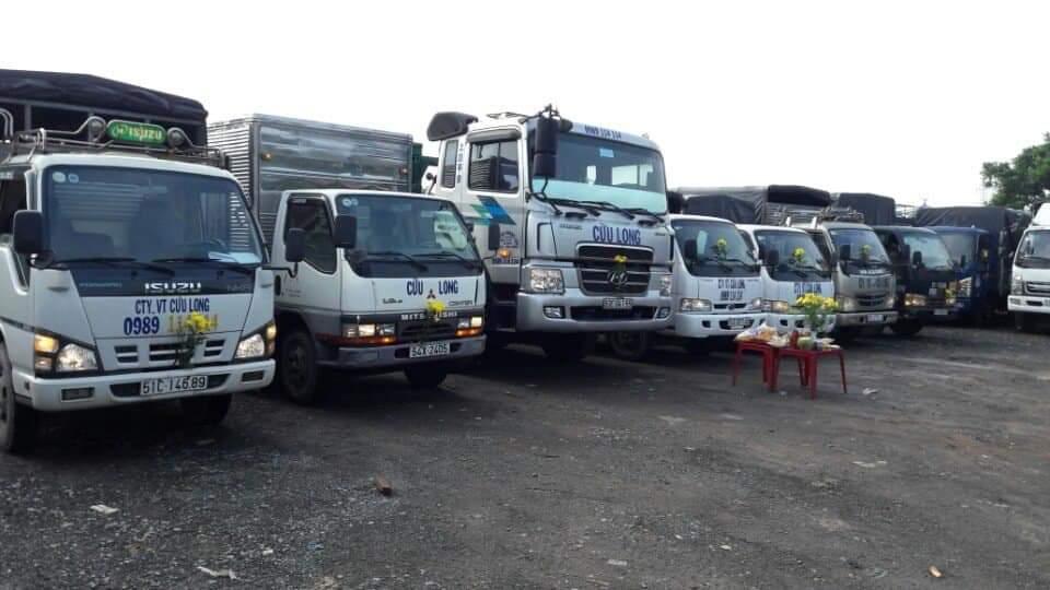 Cho thuê xe tải - xe cẩu tải cẩu hàng thùng giá rẻ tại tphcm