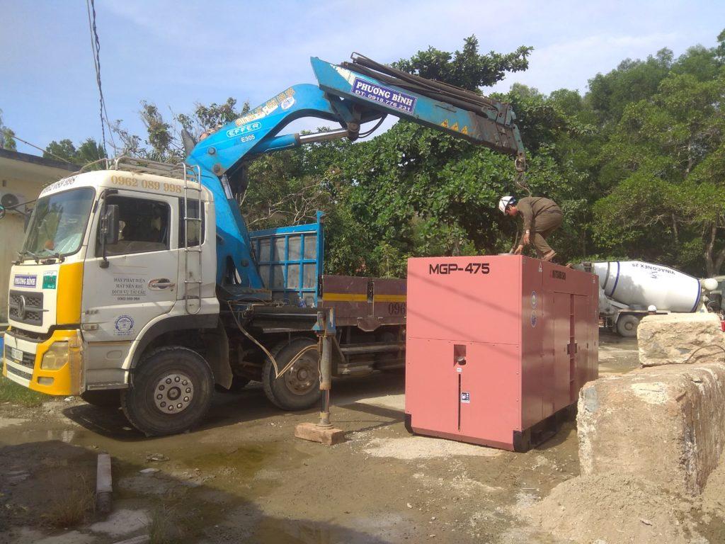 Nhận cẩu máy móc và thiết bị trong khu vực nội thành Sài Gòn